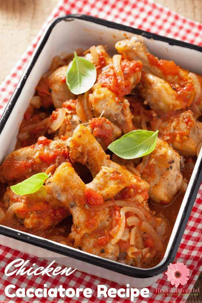 Slow Cooker Chicken Cacciatore Recipe. A super tasty and easy version of the classic Italian dish that we all love