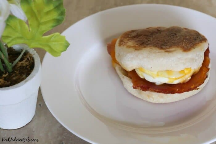 A super easy egg mcmuffins breakfast recipe. Great for feeding a large crowd.
