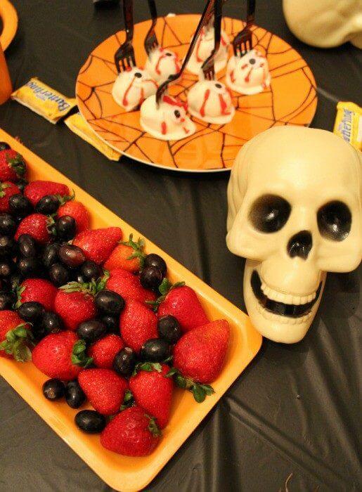 Stouffers mac n cheese and fresh fruit