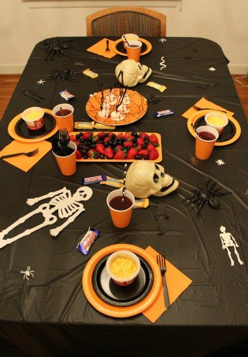 Stouffers simple Halloween tablescape