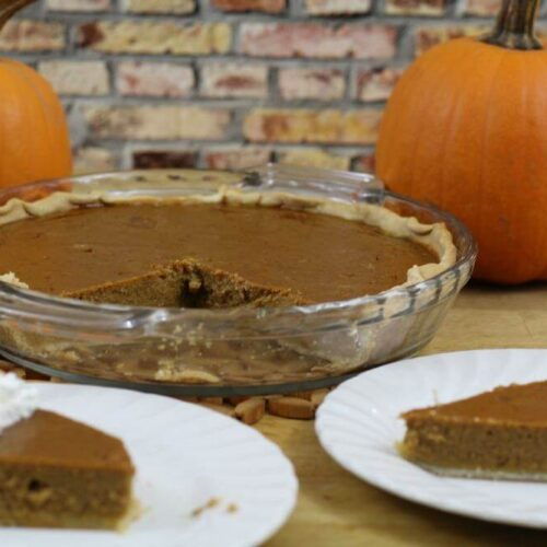 http://realadvicegal.com/wp-content/uploads/2015/11/A-slice-of-low-calorie-pumpkin-pie-with-just-a-touch-of-whipped-cream-is-the-perfect-dessert-for-me.jpg