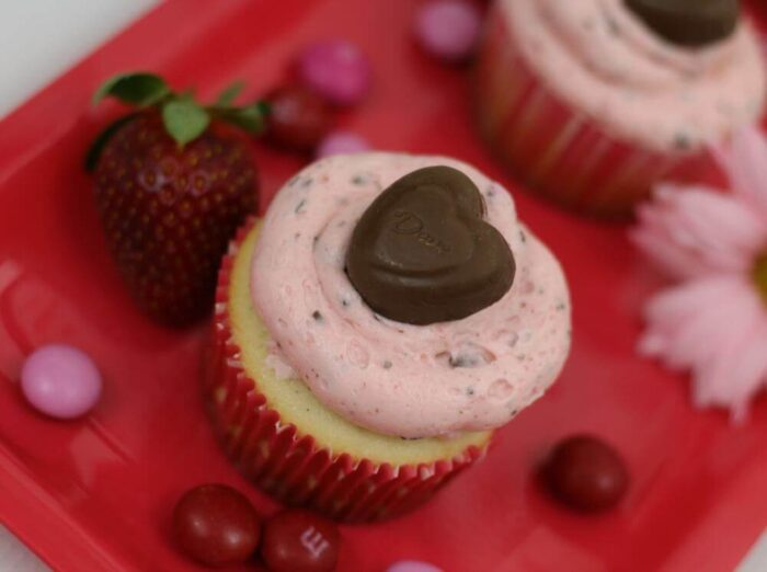 Beautiful Valentine's Day cupcake