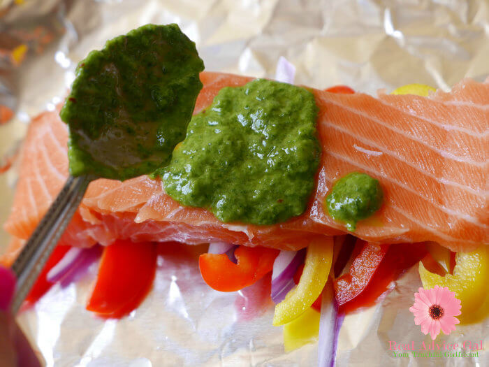 baked salmon with pesto in foil