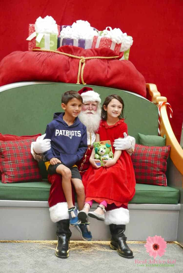 Meet and have photo-op with Santa Claus at HGTV Santa HQ. Also, remember to pay it forward this holiday season by helping others. Visitors to Santa HQ will also be able to enjoy the holiday spirit of giving through HGTV's Help Through Holiday Giving Drive.